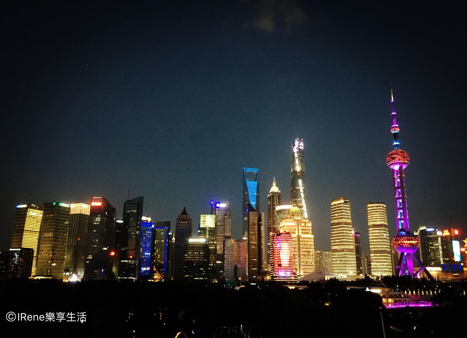 上海夜景酒吧-上海外灘W Hotel Wet Bar池畔酒吧夜景